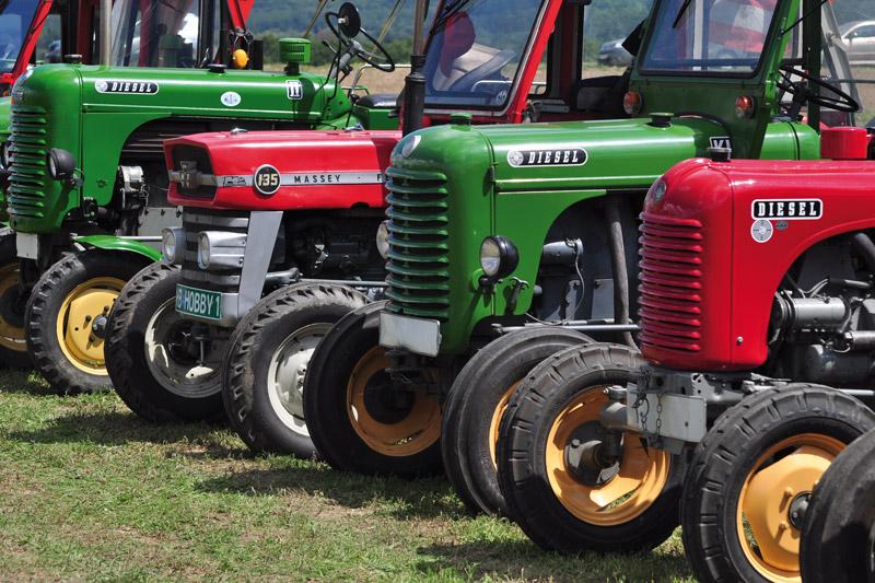 Traktoren am Dreschkirtag